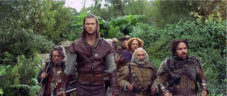 Chrishemsworth_thehuntsman_dwarfes