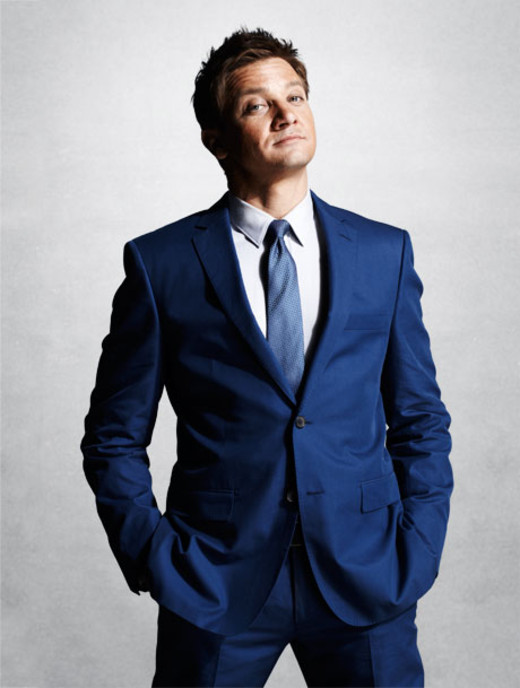 Esquire_august2012_jeremyrenner_1