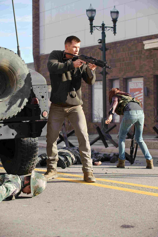 Reddawn_chrishemsworth_still2_s
